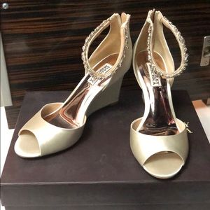 NIB Badgley Mischka Bridal Tahlia Wedges